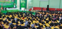 Wisuda Universitas Kadiri berlangsung dengan hikmat