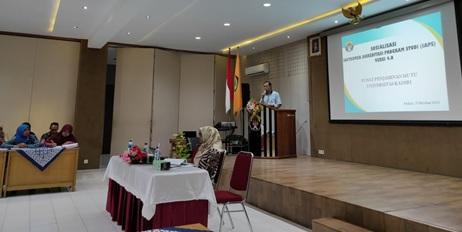 Ir. Djoko Rahardjo, MP selaku Rektor Universitas Kadiri dalam pembukaan Sosialisasi Instrumen Akreditasi Program Studi (IAPS) versi 4.0