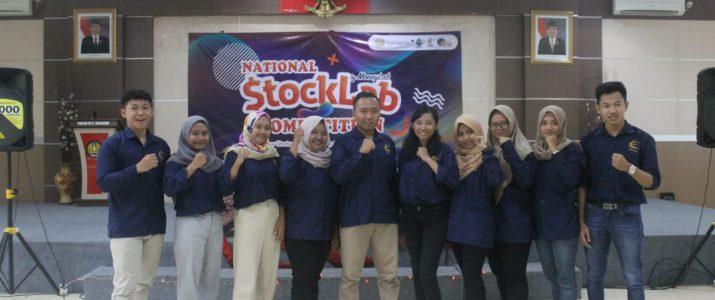 Perwakilan mahasiswa Universitas kadiri dalam ajang Stocklab Competition 2019 di Universitas Negeri Surabaya pada tanggal 27 September 2019.