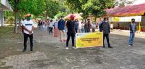 UNIVERSITAS KADIRI BAGIKAN 55 PAKET SEMBAKO BAGI MAHASISWA TERDAMPAK CORONA